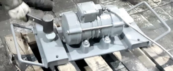 Вибровстряхиватель на магнитных боксах  УВР-М-01.15