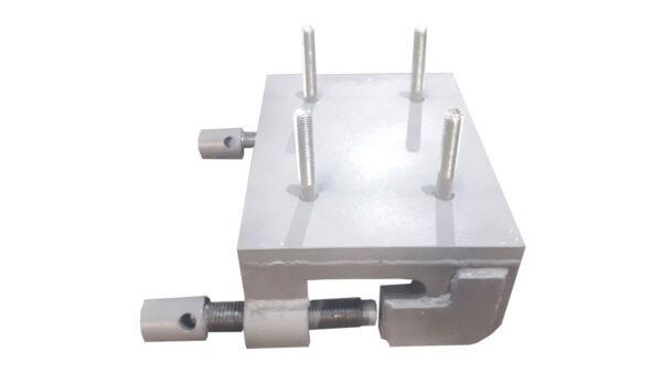 Устройство для крепления вибратора на ребро боковой стенки вагона                  ПЛ-ХР-01.15